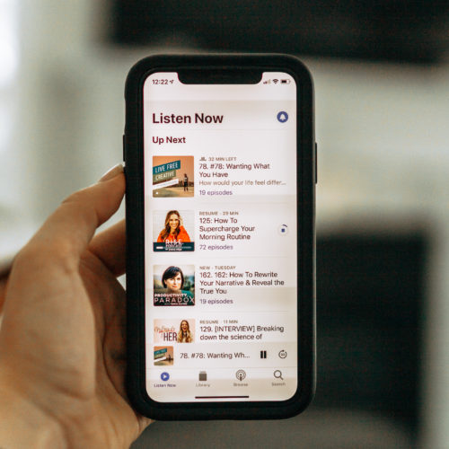 Best Podcasts for Moms that Want to Grow